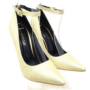 Shoe Republic Women's Heel Pump Size 7 Gold